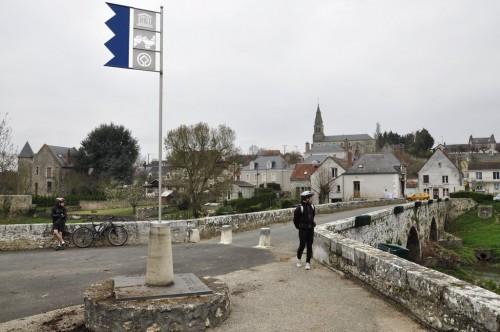 Le petit pont de pierre en Hiver