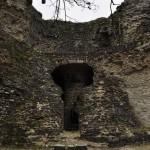 Les restes du donjon, avec son puits