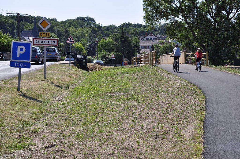Les Chatmouettes traversent la nouvelle passerelle vélos-piétons de Chailles