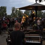 Festival de Loire 2011 : Manège motorisé par les parents