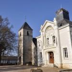 Église et Mairie de Naveil