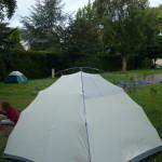 Démontage de tente au camping de Saint-Mathurin-sur-Loire