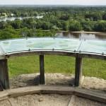 Table panoramique sur les hauteurs de Candes-st-Martin