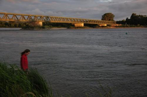 Minna et coucher de soleil sur le pont de Saint-Mathurin-sur-Loire