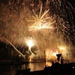 Spectacle pyrotechnique sur la Loire