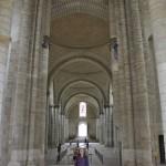 Minna se sent toute petite dans l'abbaye de Fontevraud