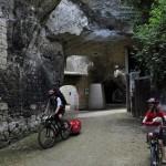 Sortie du passage troglodyte de Souzay-champigny